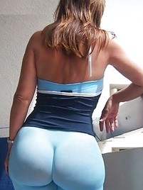 Huge butt in spandex